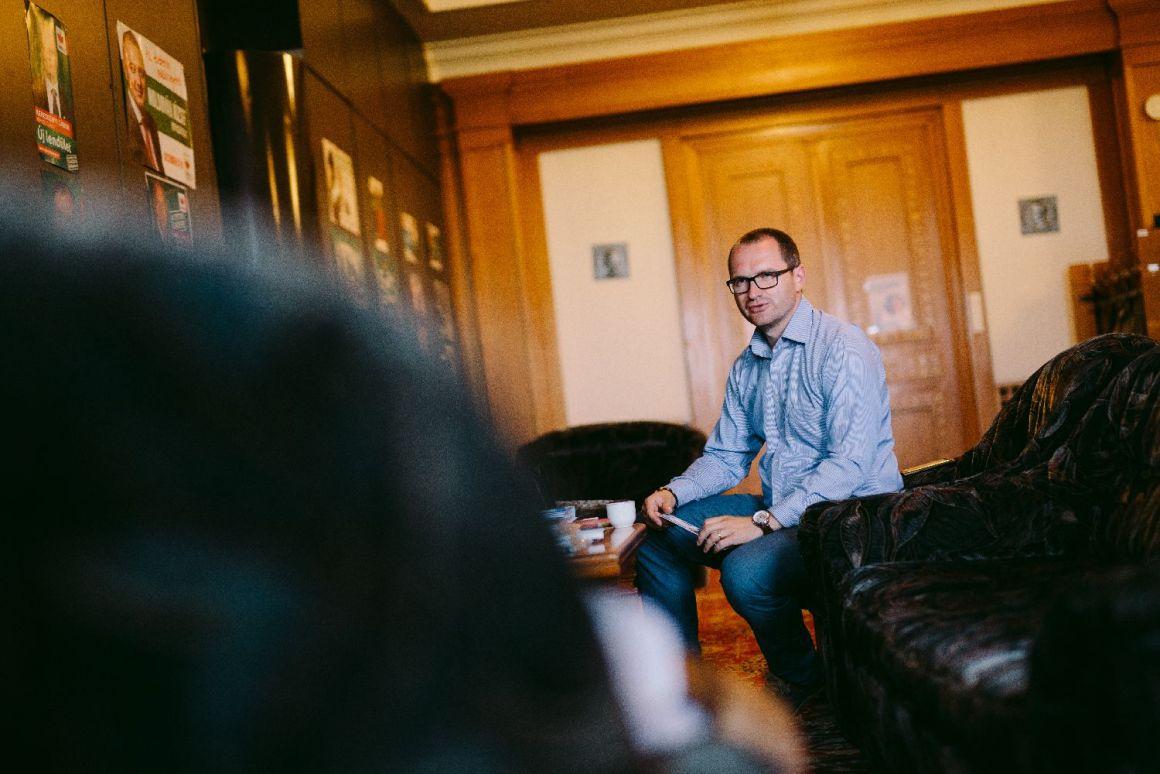 Korodi Attila: Statul să nu penalizeze antreprenorii de bună credință – de acum înainte angajatorii vor plăti contribuțiile la asigurările sociale proporțional cu orele de muncă efectuate