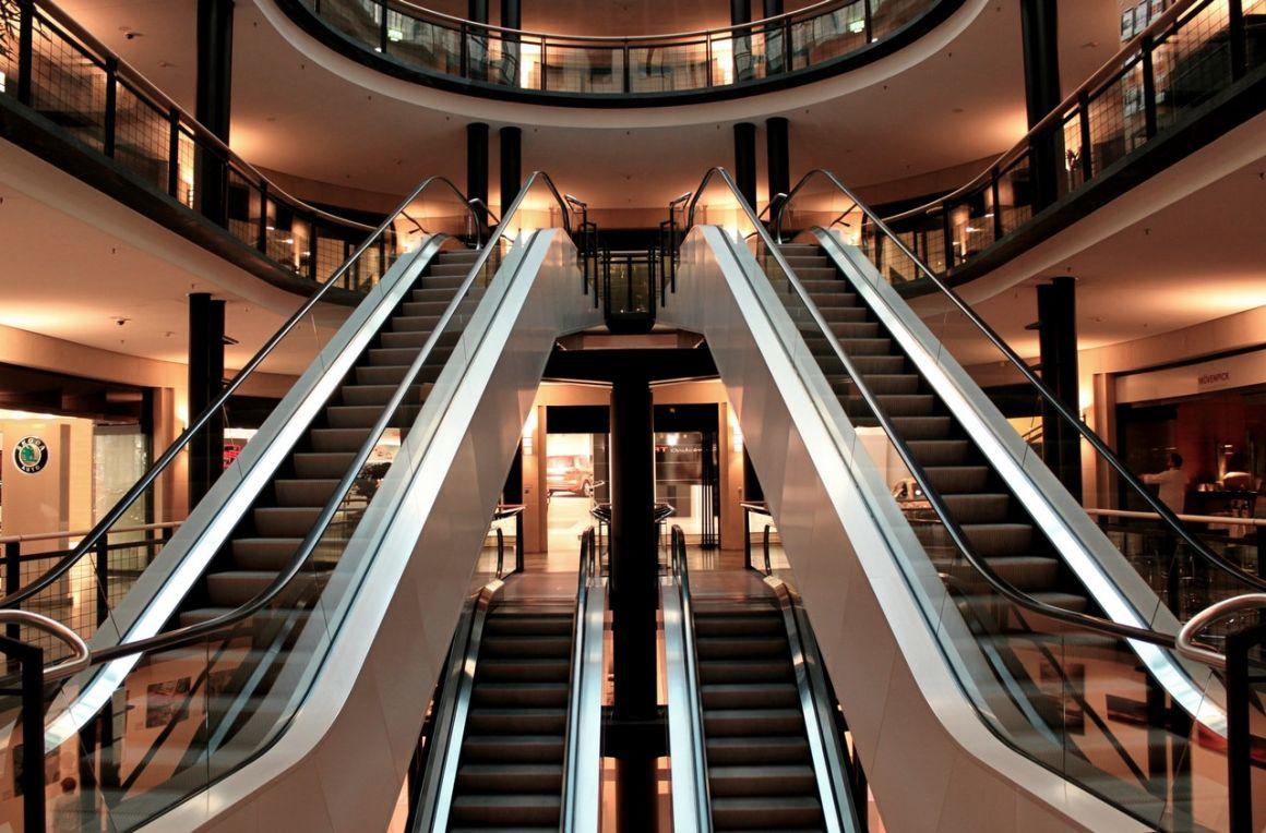 UDMR: pe perioada instituirii stării de alertă centrele comerciale urbane mai mici pot fi deschise