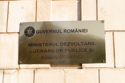 Ministrul dezvoltării: mai puține posturi dar mai mulți tineri în minister