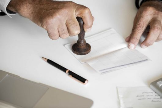 Ștampila, eliminată din semnăturile oficiale, la nivelul Ministerului Dezvoltării