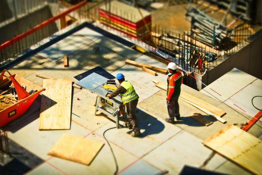 Ministerul Dezvoltării propune reglementări mai simple, mai eficiente în construcții