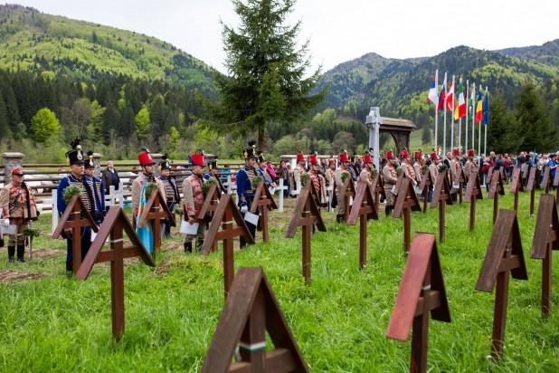 Poziția Consiliului Regional al Aleșilor Locali din Ținutul Secuiesc privind acoperirea crucilor din cimitirul din Valea Uzului