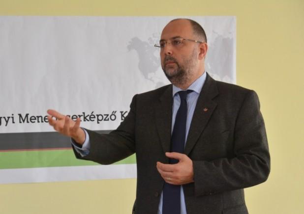 Pentru funcționarea cu succes a sistemului de sănătate, este nevoie în primul rând de solidaritate - Președintele UDMR, Kelemen Hunor, candidatul Uniunii la Președinție, la conferința medicală de la Târgu Mureș