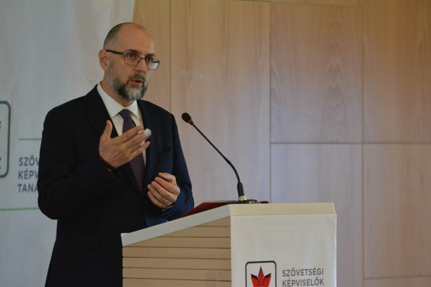 Singurul partener al UDMR este comunitatea maghiară din Transilvania - este concluzia președintelui Uniunii, Kelemen Hunor, enunțată în raportul politic prezentat în cadrul ședinței CRU